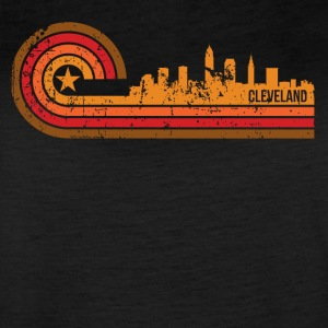 Retro Style Cleveland Ohio Skyline Distressed - Women's Vintage Sport T-Shirt