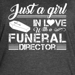 Girl In Love With Funeral Director Shirt - Women's Vintage Sport T-Shirt