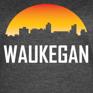 Waukegan Illinois Sunset Skyline - Women's Vintage Sport T-Shirt