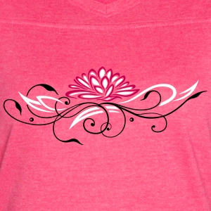 Large lotus flower with filigree ornament - Women's Vintage Sport T-Shirt