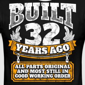 32th birthday gift idea: Built 32 years ago Shirt - Men's Ringer T-Shirt