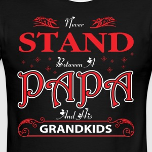 Never Stand Between Papa And His Grandkids T Shirt - Men's Ringer T-Shirt