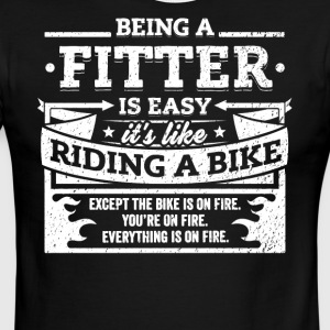 Fitter Shirt: Being A Fitter Is Easy - Men's Ringer T-Shirt
