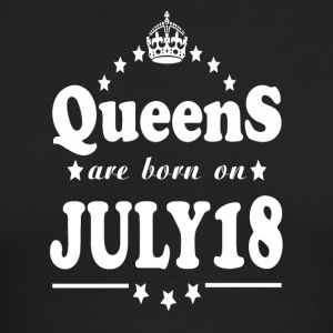 Queens are born on July 18 - Men's Long Sleeve T-Shirt by Next Level