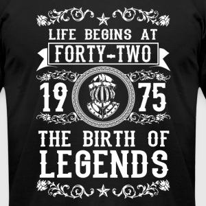 1975 - 42 years - Legends - 2017 - Men's T-Shirt by American Apparel