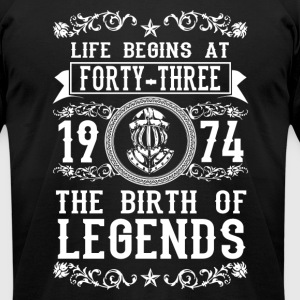 1974 - 43 years - Legends - 2017 - Men's T-Shirt by American Apparel
