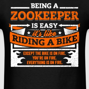 Zookeeper Shirt: Being A Zookeeper Is Easy - Men's T-Shirt