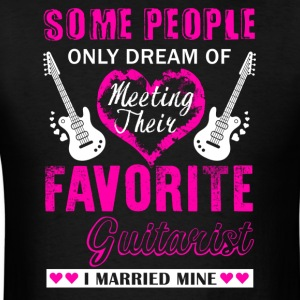Guitarist Wife Shirt - Men's T-Shirt