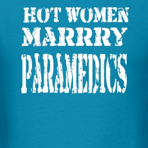 Hot Women Paramedics - Men's T-Shirt