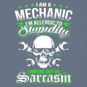 I Am A Mechanic T Shirt - Men's T-Shirt