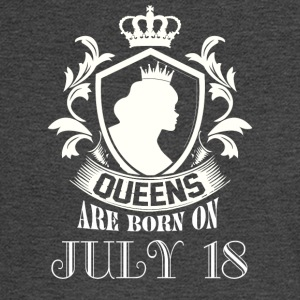 Queens are born on July 18 - Men's Long Sleeve T-Shirt