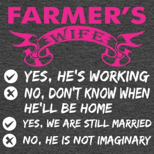 Farmers Wife Yes Hes Working - Men's Long Sleeve T-Shirt