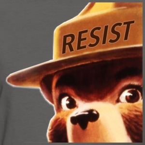smoky says resist - Women's T-Shirt
