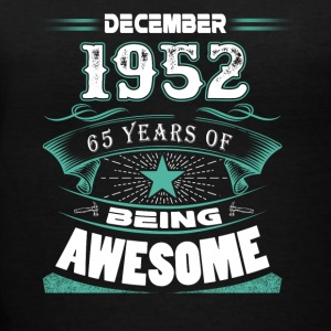 December 1952 - 65 years of being awesome - Women's V-Neck T-Shirt
