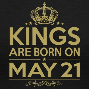 Kings are born on May 21 - Women's V-Neck T-Shirt
