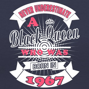 Black Queens are born in 1967 - Women's V-Neck T-Shirt