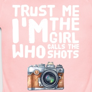 Trust me I'm the girl who calls the shots - Short Sleeve Baby Bodysuit