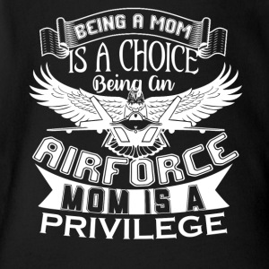 Being An Air Force Mom Shirt - Short Sleeve Baby Bodysuit