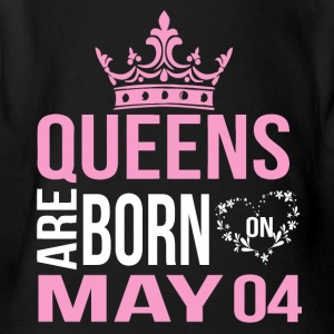 Queens are born on May 04 - Short Sleeve Baby Bodysuit