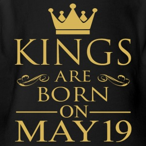 Kings are born on May 19 - Short Sleeve Baby Bodysuit