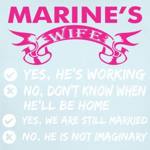 Marines Wife Yes Hes Working - Short Sleeve Baby Bodysuit