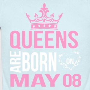 Queens are born on May 08 - Short Sleeve Baby Bodysuit