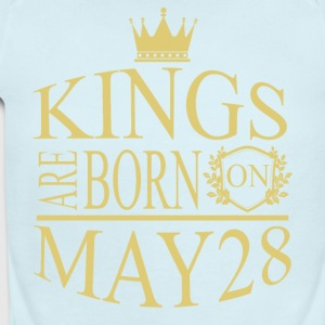 Kings are born on May 28 - Short Sleeve Baby Bodysuit