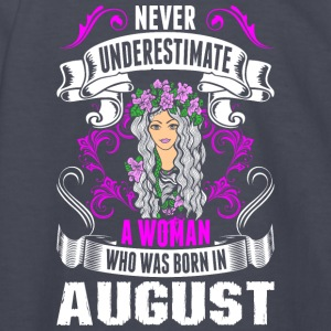 Never Underestimate A Woman Who Was Born In August - Kids' Long Sleeve T-Shirt
