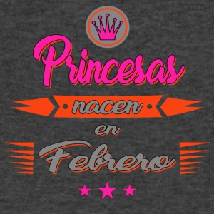 Princesas nacen en febrero - Men's V-Neck T-Shirt by Canvas