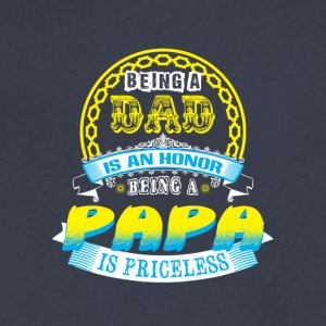 papa - Men's V-Neck T-Shirt by Canvas