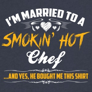 chef married - Men's V-Neck T-Shirt by Canvas