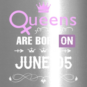Queens are born on June 05 - Travel Mug