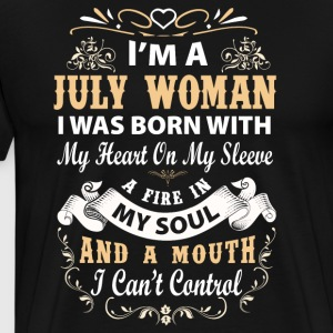 I'm a july woman I was born with my heart - Men's Premium T-Shirt
