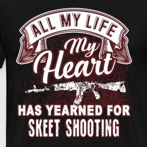 Skeet Shooting Heart Shirt - Men's Premium T-Shirt