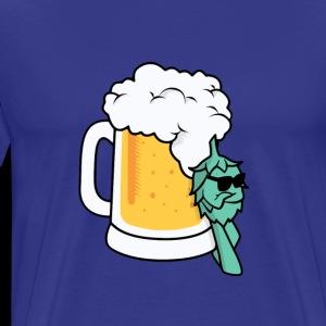 Cool Hops leaning on Beerglass - Men's Premium T-Shirt