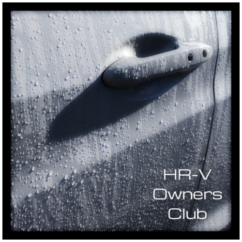 HR-V In The Rain (With Club Name) - Men's Premium T-Shirt