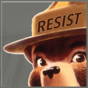 smoky says resist - Men's Premium T-Shirt