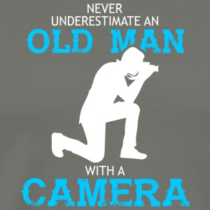 Old Man With A Camera Photorgrapher T Shirt - Men's Premium T-Shirt