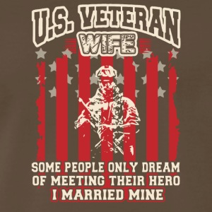 US Veteran Wife T Shirt - Men's Premium T-Shirt