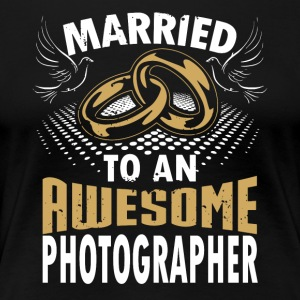 Married To An Awesome Photographer - Women's Premium T-Shirt