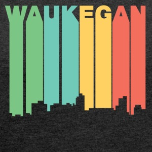Retro 1970's Style Waukegan Illinois Skyline - Women´s Roll Cuff T-Shirt
