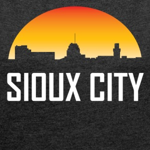 Sioux City Iowa Sunset Skyline - Women´s Roll Cuff T-Shirt