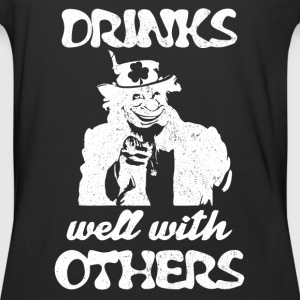 Uncle Paddy Want You Drinks well with others - Baseball T-Shirt