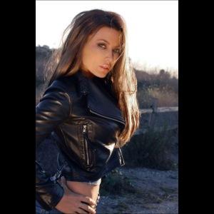 Rebecca Grant tuff and sexy
