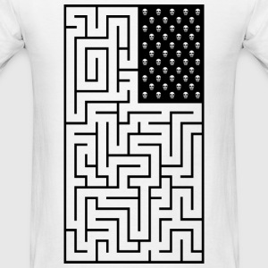 Maze style pirate flag - Men's T-Shirt