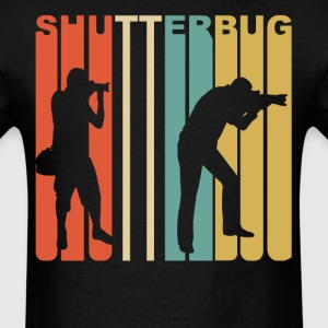 Retro 1970s Style Shutterbug Photography - Men's T-Shirt
