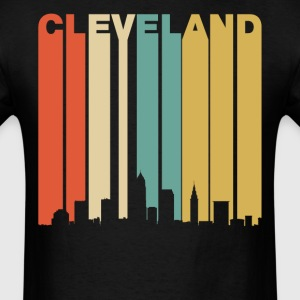 Retro Cleveland Ohio Cityscape Downtown Skyline - Men's T-Shirt