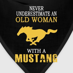 Mustang - An old woman with a mustang t-shirt - Bandana