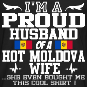 moldova wife 1111898982012.png T-Shirts - Men's Premium Long Sleeve T-Shirt