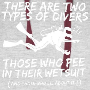 There Are Two Types Of Scuba Diver T Shirt - Colorblock Hoodie